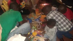 Boah, so viele Spielsachen auf einem Fleck